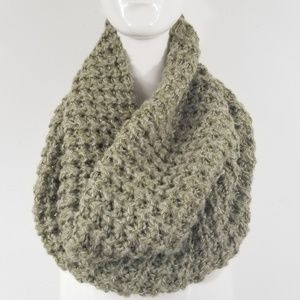 Frenchi Green Heathered Loose Knit Infinity Scarf